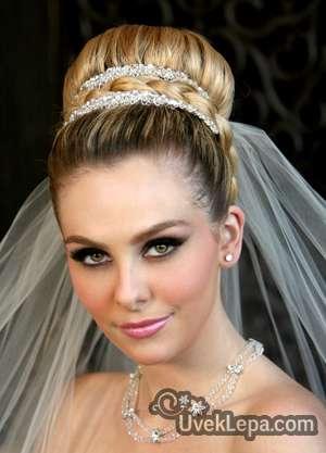 Idealna za vencanje